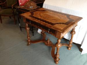 table-Louis-XIII-après-restauration-300x225 table-Louis-XIII-après-restauration