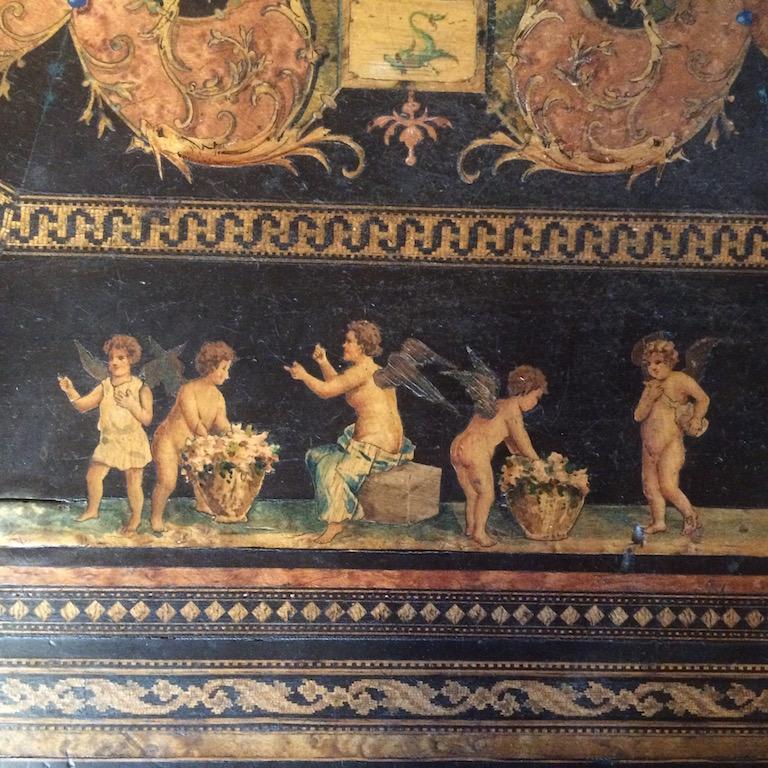 Guéridon-de-la-maison-GARGIULO-en-placage-de-loupe-et-bois-noirci-à-exceptionnel-décor-marqueté-de-bois-teinté-et-peint10 Guéridon maison GARGIULO placage de loupe et bois noirci