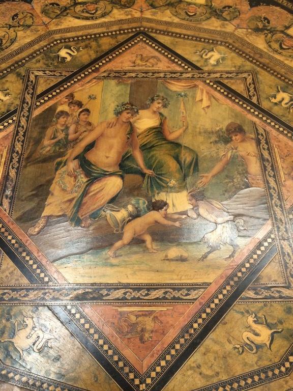Guéridon-de-la-maison-GARGIULO-en-placage-de-loupe-et-bois-noirci-à-exceptionnel-décor-marqueté-de-bois-teinté-et-peint13 Guéridon maison GARGIULO placage de loupe et bois noirci