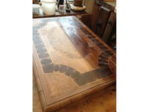 table-Louis-XIII-en-cours-de-restauration-300x225 table-Louis-XIII-en-cours-de-restauration