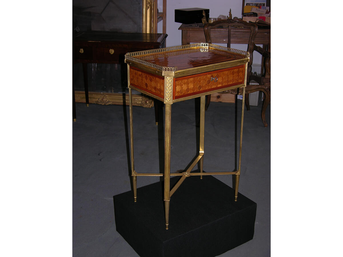 Table Louis XVI estampille de C.C.Saunier
