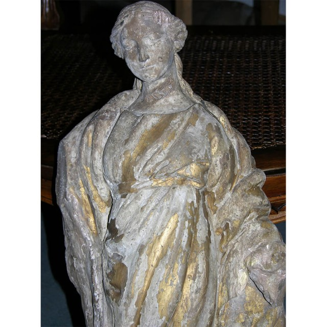 Vierge polychrome du XVII ème siècle