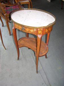 DSCN4189-225x300 Table de nuit transition Louis XV Louis XVI