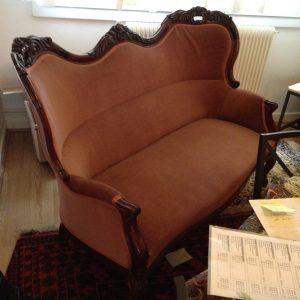 IMG_6096-300x300 Canapé à Oreillettes Napoléon III
