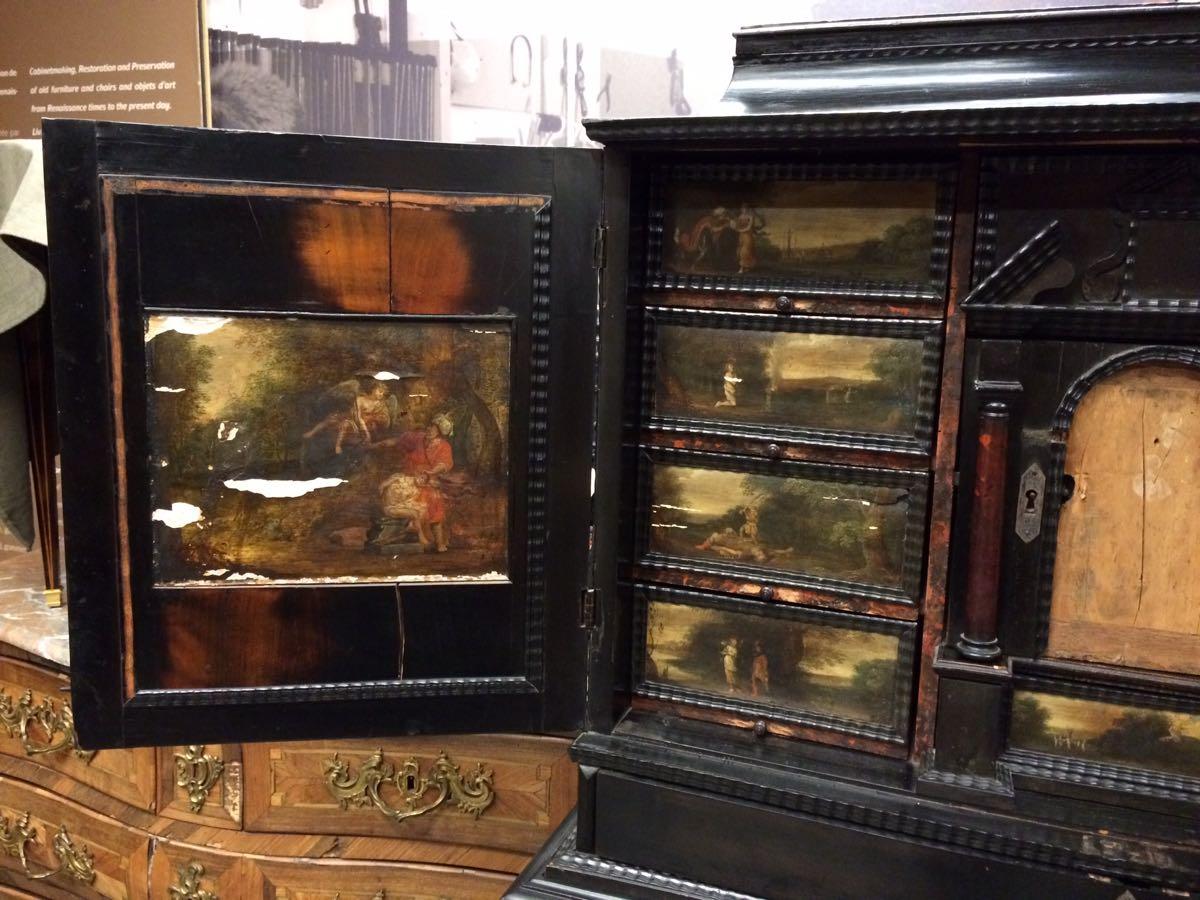 cabinet-17ème-en-placage-débène-avant-restauration-2 cabinet XVIIe en ébène