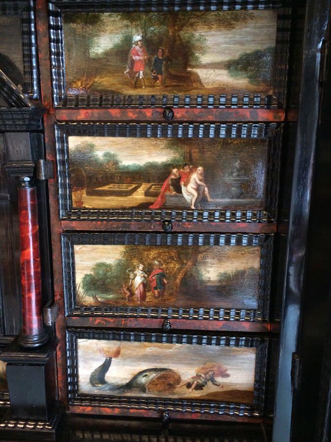 cabinet-17ème-en-placage-débène-détail-des-peintures-de-la-bible-1 cabinet XVIIe en ébène