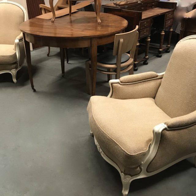 Paire-de-bergères-de-style-Louis-XV-en-hêtre-dite-confortable-avec-coussin-1Atelier-Patrice-Bricout-EPV-Marcq-en-Baroeul-640x640 Atelier Patrice Bricout