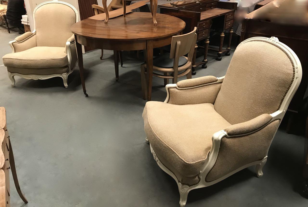 Paire de bergères de style Louis XV en hêtre dite confortable avec coussin 1Atelier Patrice Bricout EPV Marcq en Baroeul | Atelier Patrice Bricout