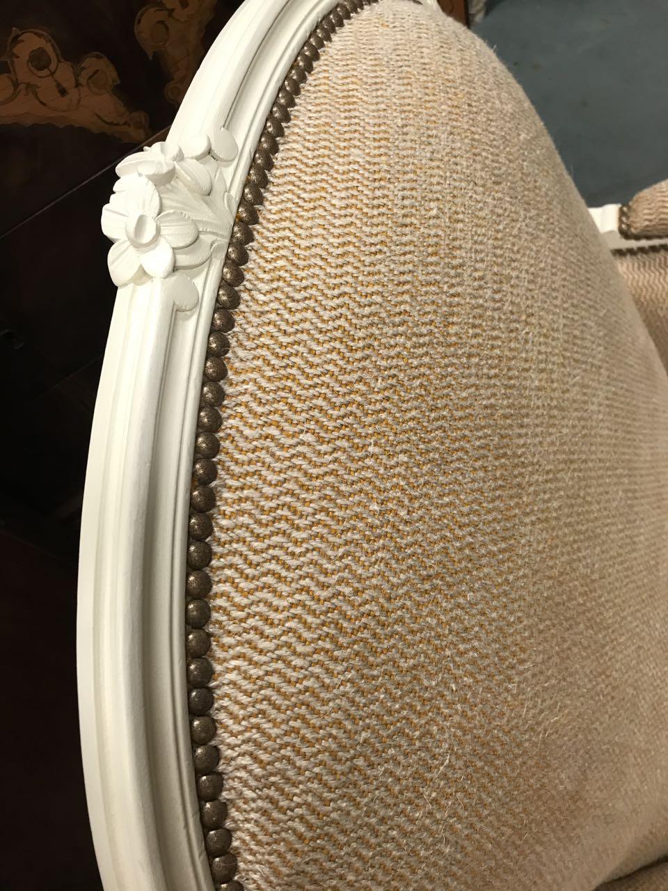 Paire de bergères de style Louis XV en hêtre dite confortable avec coussin 7Atelier Patrice Bricout EPV Marcq en Baroeul | Atelier Patrice Bricout
