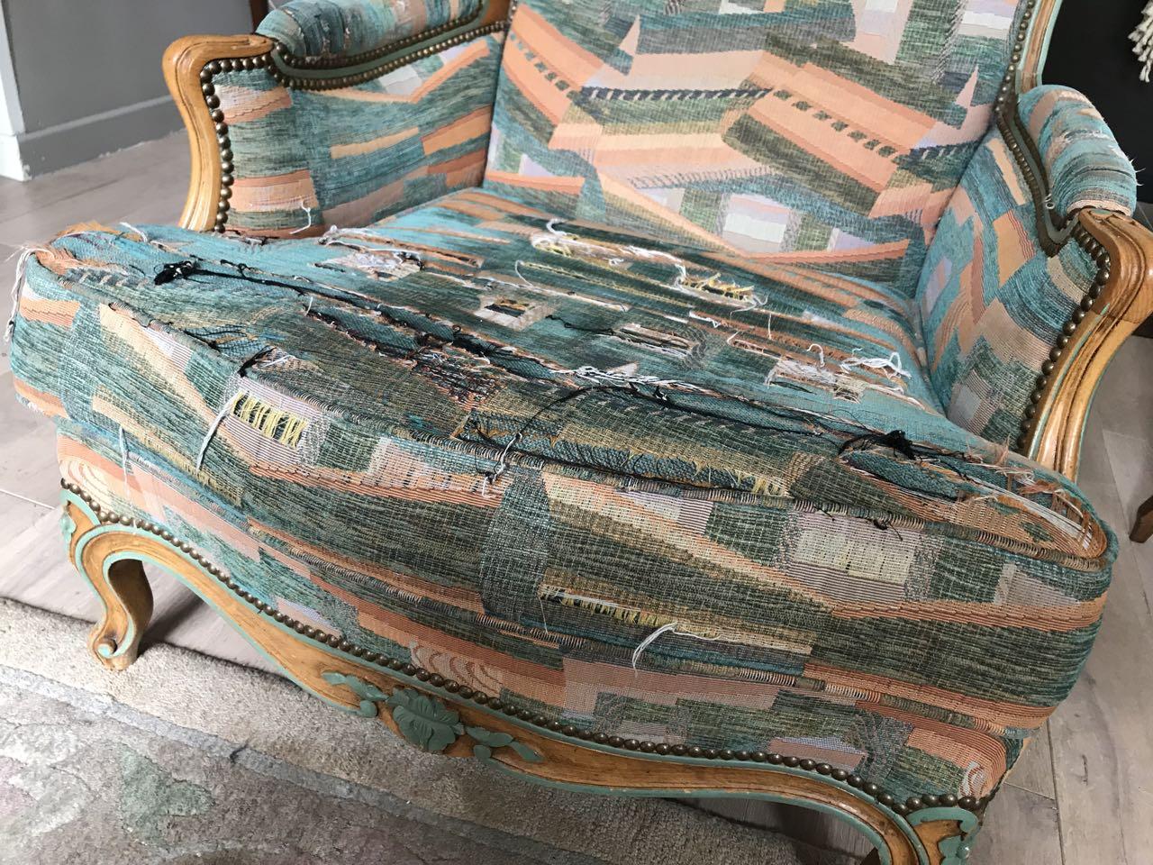 Paire de bergères de style Louis XV en hêtre dite confortable avec coussin 9Atelier Patrice Bricout EPV Marcq en Baroeul | Atelier Patrice Bricout