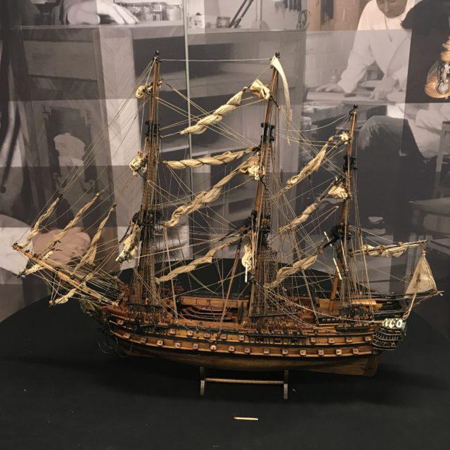 Maquette du voilier historique – Le Superbe  – sous Louis XVI