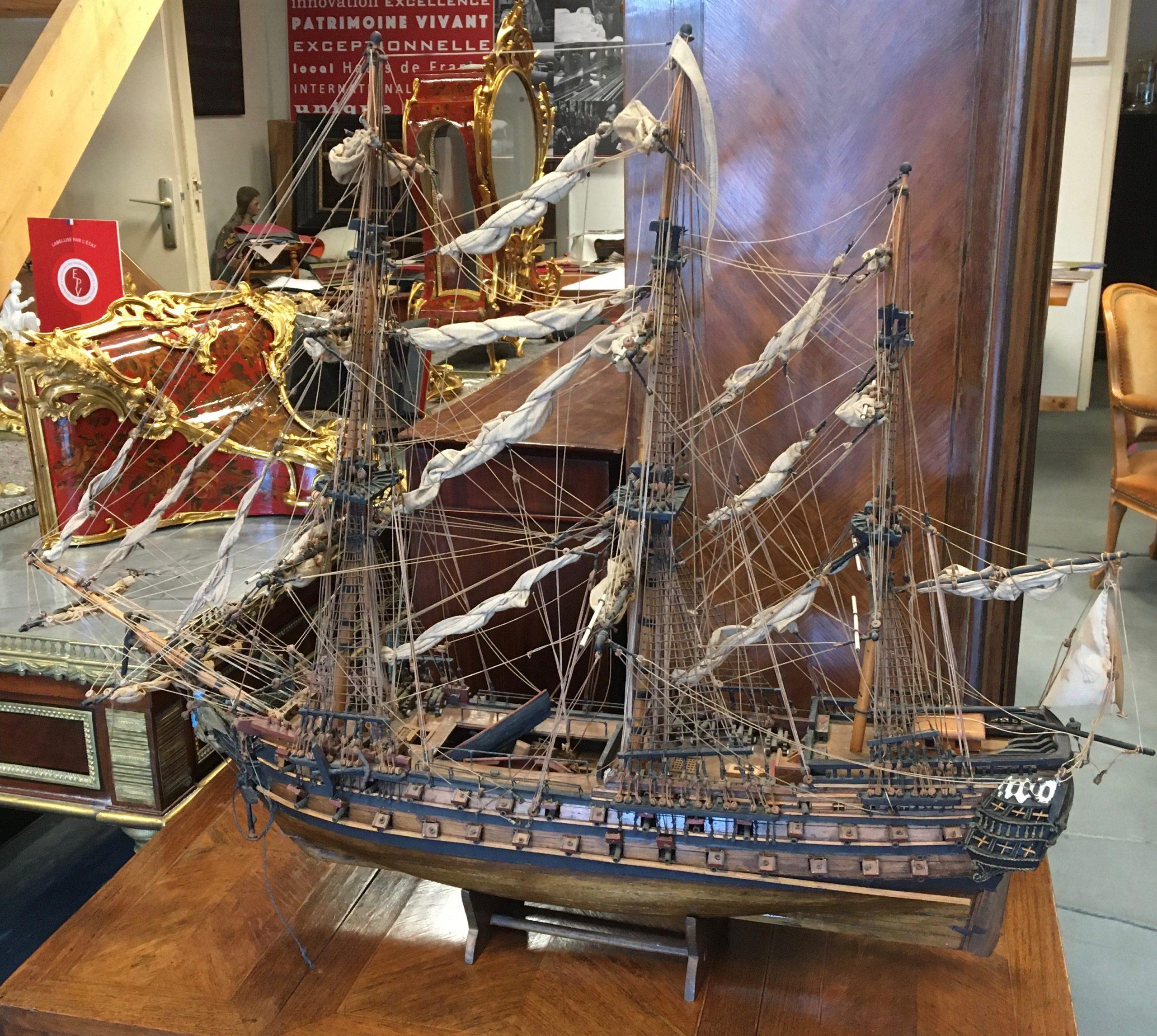 Le Superbe Maquette du voilier historique en bois tropical 19e, restauration atelier Patrice Bricout label EPV