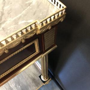 Console desserte Louis XVI en acajou et placage d'acajou estampillée RICHTER Charles-Erdmann