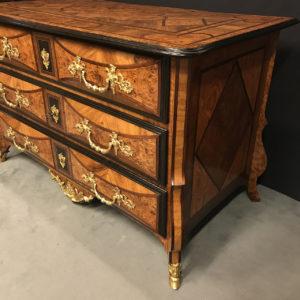 après-restauration-commode-Louis-XIV-Mazarine-Époque-début-du-XVIIIème-siècle